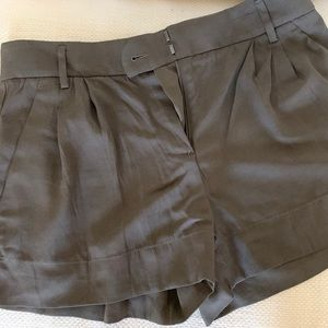 NWOT Theory military green shorts, sz 4